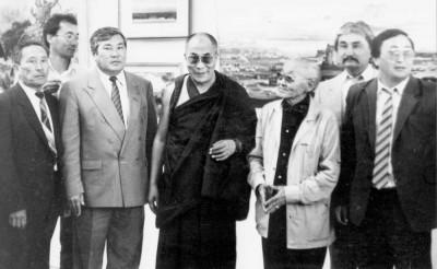 Я рад видеть вас снова – с этих слов начал свои новые встречи в Калмыкии Далай-лама