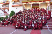 Далай-лама с монахами монастыря Самтенлинг перед отъездом в монастырь Ярма Гонбо. 23 июля 2020.