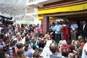 Его Святейшество Далай-лама встречается со своими последователями из западных стран в монастыре Дискет, долина Нубра. 27 июля 2010