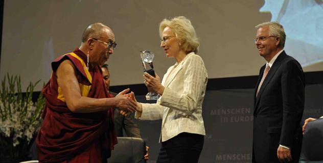 Китай должен воспользоваться возможностью и начать переговоры с Далай-ламой