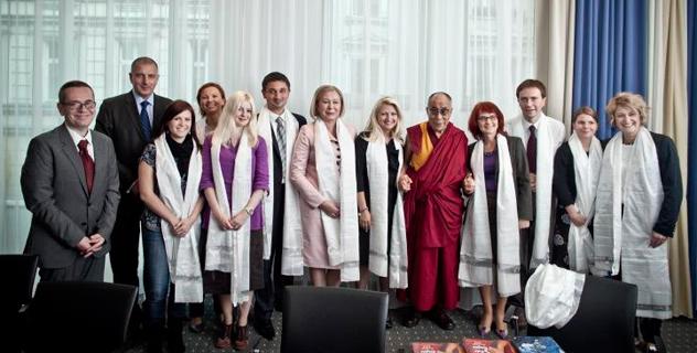 Его Святейшество Далай-лама прибыл в Польшу