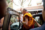 Его Святейшество покидает Catholic Renewal Center в Кочи, штат Керала, 4 сентября 2010