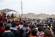 Его Святейшество Далай-лама выступает перед людьми, пострадавшими от наводнения в Чогласаре, Ладаке. 13 сентября 2010