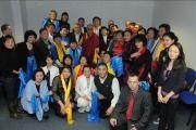 Его Святейшство Далай-лама с послом Монголии и паломниками, Будапешт, Венгрия, 19 сентября 2010 г.