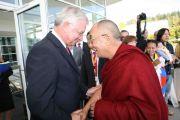 Его Святейшество Далай-лама и Роланд Кох, бывший премьер-министр земли Гессен, Пассау, Германия, 21 сентября 2010 г.