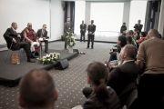 Его Святейшество Далай-лама и мэр Вроцлава на пресс-конференции, Польша, 23 сентября 2010 г.