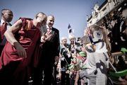 Дети встречают Его Святейшество Далай-ламу, Вроцлав, Польша, 23 сентября 2010 г.