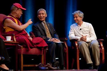 Далай-лама принял участие в конференции «Научные исследования сострадания и альтруизма»