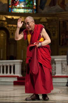 Далай-лама продолжил встречи со студентами и преподавателями Стэнфорда