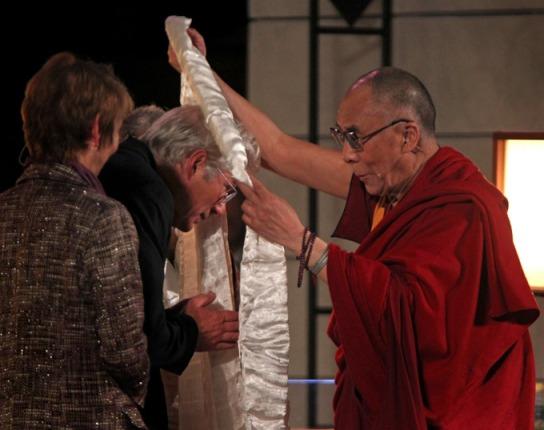Ричард Гир принял участие в диалоге с Далай-ламой об ответственности художника