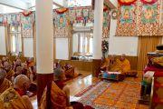 Его Святейшество Далай-лама дарует монашеские обеты, Дхарамсала, Индия, 1 октября 2010 г.