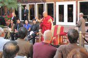 Далай-лама на встрече с китайскими студентами, преподавателями и сотрудниками Стэнфордского университета, 14 октября 2010