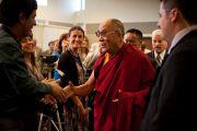 Его Святейшество Далай-лама с журналистами после пресс-конференции 17 октября 2010 г.