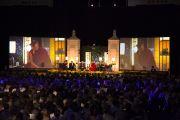 Во время межрелигиозного диалога, посвященного вопросам счастья, в университете Эмори 17 октября 2010 г.