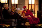 Ричард Гир, Элис Уокер и Далай-лама в университете Эмори, 19 октября 2010 г.