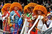 Тибетцы, живущие в Торонто, приветствуют Далай-ламу, 22 октября 2010 г.