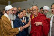 Далай-лама на встрече с представителями разных религий в Торонто, 23 октября 2010 г.