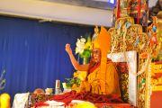 Его Святейшество Далай-лама во время молебна о долголетии, Торонто, 24 октября 2010 г.