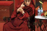 Далай-лама во время лекции в храме Эману-Эль, Майами Бич, Флорида, 26 октября 2010 г.