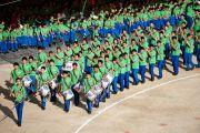 Парад учащихся на торжественной церемонии празднования 50-летия Тибетской детской деревни, Дхарамсала, 30 октября 2010 г.