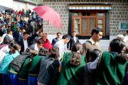 Далай-лама во время празднования 50-летия Тибетской детской деревни, Дхарамсала, 30 октября 2010 г.