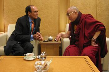 Его Святейшество Далай-лама прибыл в Японию