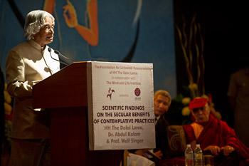 А. П. Дж. Абдул Калам: Созерцательная наука дополняет современную науку