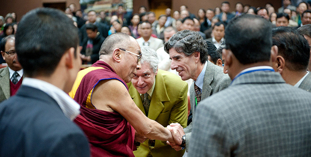 Его Святейшество Далай-лама открыл международную конференцию «Наука, духовность и образование» в Гангтоке