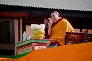 """Его Святейшество обращается с краткой речью к собравшимся в """"Будда парке"""" в Равангле, Сикким, Индия, 19 декабря 2010. Фото Тензин Чойджор (Офис ЕСДЛ)"""