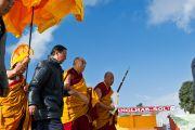 Его Святейшество Далай-лама прибыл в монастрыь Мани Чокор Линг в Равангле, Сикким, Индия, 19 декабря 2010. Фото Тензин Чойджор (Офис ЕСДЛ)