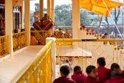 Его Святейшество Далай-лама дает учения в институте буддологии в Салугаре, Западная Бенгалия, 23 декабря 2010. Фото Тензин Чойджор (Офис ЕСДЛ)