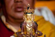 Традиционное подношение во время учений Его Святейшества Далай-ламы в Салугаре, Западная Бенгалия, 23 декабря 2010. Фото Тензин Чойджор (Офис ЕСДЛ)