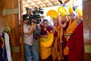 Его Святейшество Далай-лама освятил новый молитвенный зал в монастыре Рато в Мандгоде. Карнатака, Индия, 31 января 2011. Фото: Тензин Чойджор (офис ЕСДЛ)