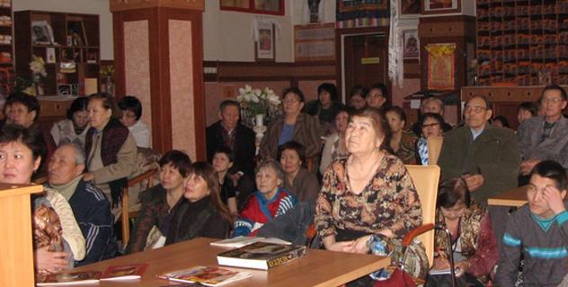 Выступление Далай-ламы в Индии смотрели в главном храме Калмыкии