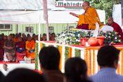 "Его Святейшество Далай-лама дает учения ""Введение в буддизм"". Мумбаи, Индия. 19 февраля 2011. Фото: Тензин Чойджор (офис ЕСДЛ)"