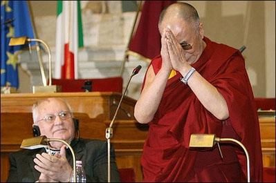 Далай-лама поздравил Михаила Горбачева с 80-летием