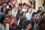 Во время учений Его Святейшества Далай-ламы, дарованных им по просьбе буддистов из Тайланда. Дхарамсала, Индия. 15 марта 2011. Фото: Тензин Чойджор (Офис ЕСДЛ)