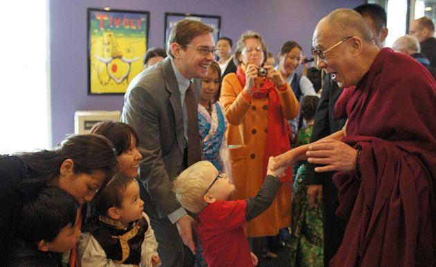 Завершилась поездка Его Святейшества Далай-ламы по трем европейским странам