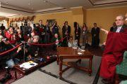 Его Святейшество Далай-лама и Ричард Мур на пресс-конференции в Дублине, Ирландия. 13 апреля 2011. Фото: Тензин Такла (Офис ЕСДЛ)