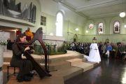Его Святейшество Далай-лама во время концерта в церкви св. Бригитты. Кильдэр, Ирландия. 13 апреля 2011. Фото: Тензин Такла (Офис ЕСДЛ)