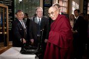 Его Святейшество Далай-лама в Музее Нобеля. Стокгольм, Швеция. 15 апреля 2011.