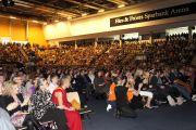 """Трехтысячная аудитория на встерче """"Знакомьтесь, Далай-лама"""" в Лунде, Швеция, 16 апреля 2011. Фото: Тензин Такла (Офис ЕСДЛ)"""
