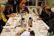 Его Святейшество Далай-лама на встрече с членами парламента. Копенгаген, Дания. 18 апреля 2011