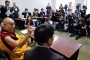 Его Святейшество Далай-лама провел пресс-конференцию для японских и зарубежных журналистов. Токио, Япония. 29 апреля 2011. Фото: Офис ЕСДЛ