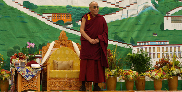 Его Святейшество Далай-лама обратился к членам тибетской общины и побеседовал с китайскими студентами и учеными