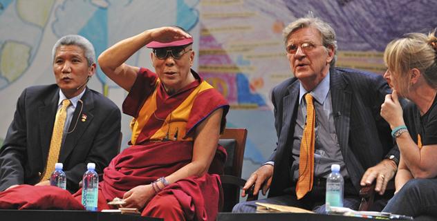 Участники мирного саммита поддержали предложение Далай-ламы преподавать в школах светскую этику