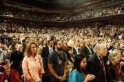 5000 человек собрались, чтобы послуашать лекцию Его Святейшества Далай-ламы «Светская этика, человеческие ценности и общество» в университете Южной Калифорнии. Лос-Анджелес, штат Калифорния. 3 мая 2011.