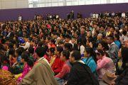 Члены тибетской общины Миннесоты собрались послушать Его Святейшество Далай-ламу. Сент-Пол, штат Миннесота. 7 мая 2011.