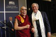 Его Святейшество Далай-лама и президент Дж.У.Буш в президентском центре. Даллас, штат Техас. 10 мая 2011. Фото: Layne Murdoch