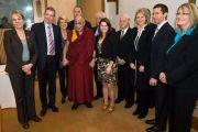 Его Святейшество Далай-лама с членами межпартийной группы по вопросам Тибета в Канберре, Австралия. 14 июня 2011. Фото: Rusty Stewart/DLIAL